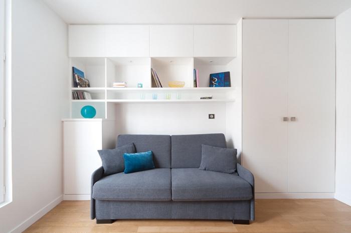 Раскладной диван в маленькой квартире-студии