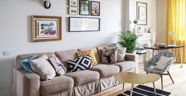 Интерьер светлой небольшой гостиной