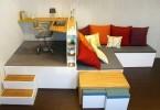 Компактный кабинет в гостиной