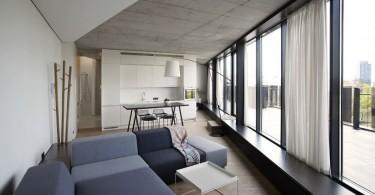 Интерьер гостиной с панорамными стенами