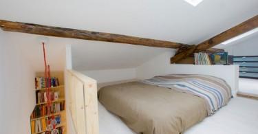 Небольшая спальня на втором уровне
