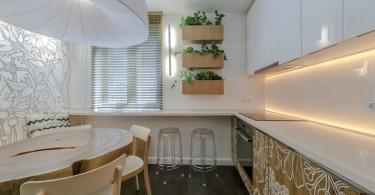 Интерьер небольшой кухни в бежевых тонах