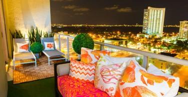 Балкон с роскошным видом на ночной город