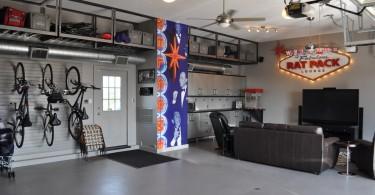 Модный кинозал в гараже