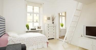Интерьер маленькой спальни в белом цвете