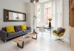 Интерьер светлой гостиной в малогабаритной квартире