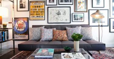 Интерьер стильной гостиной в гараже