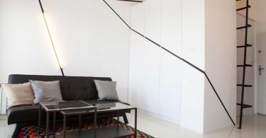 Ломаные полосы на стене в гостиной