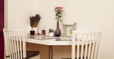 Маленький обеденный стол для компактной кухни