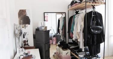 Гардеробная в маленьком помещении