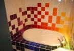 Красочные цвета в оформлении ванной
