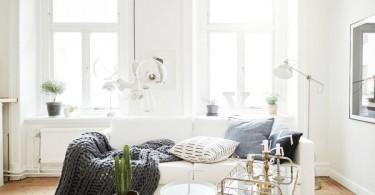 Уютная гостиная в небольшой квартире