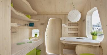 Интерьер столовой в деревянном домике
