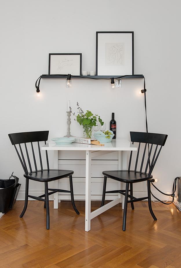 Столик в малогабаритной квартире