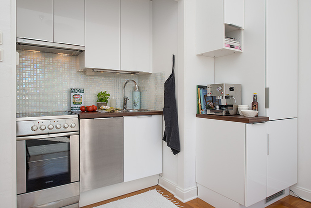 Кухонная зона в малогабаритной квартире