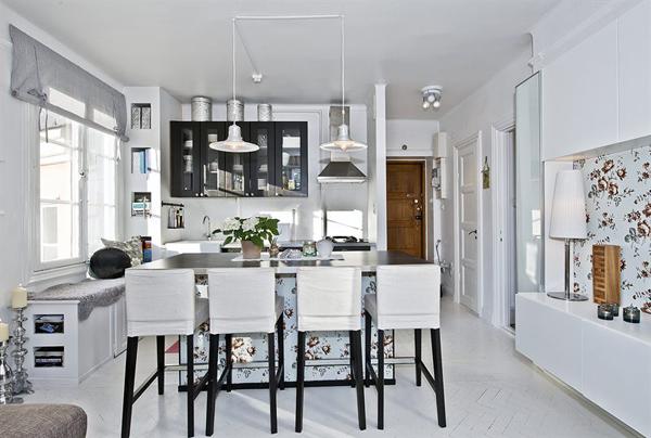 Интерьер кухни в бело-серых оттенках