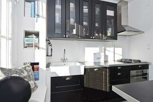 Кухня в чёрно-белом цвете