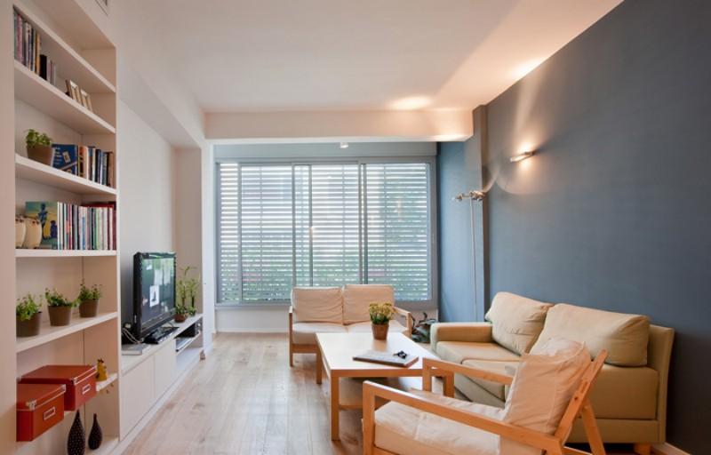 Просторная гостиная квартиры в Израиле