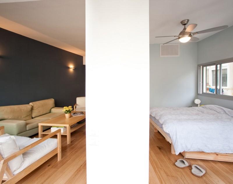 Гостиная и спальня квартиры в Израиле