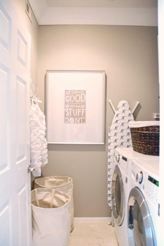 Идея хранения для маленькой квартиры: для ванной или прачечной