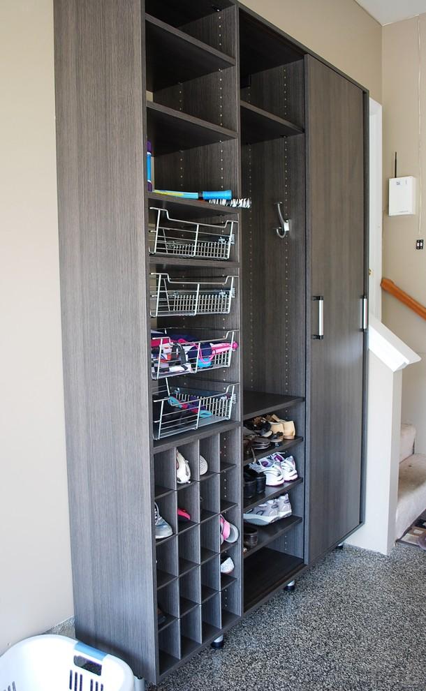 Стеллаж для хранения обуви в гараже