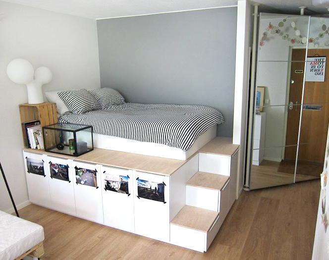 Оригинальная кровать на подиуме