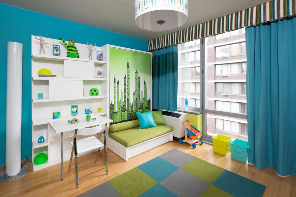 Яркие цвета в спальне с подъемной кроватью