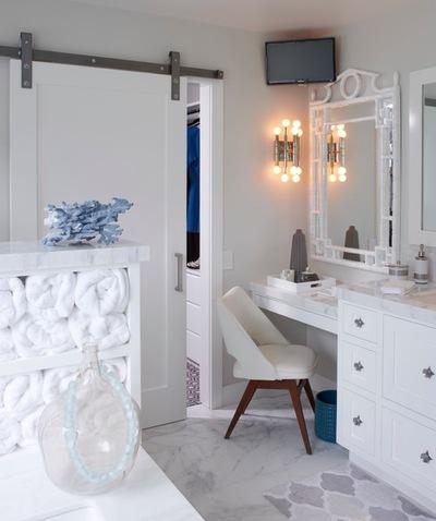 Белоснежные стены в ванной