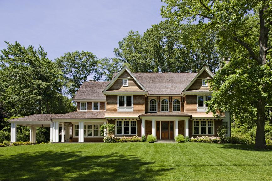 Роскошный дом с пристройкой сбоку