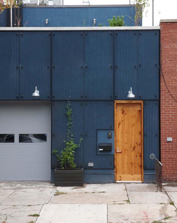 Входная дверь в квартиру для холостяка