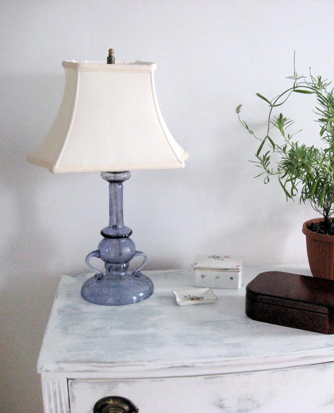 Светильник в интерьере квартиры