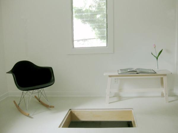 Маленькая белая комната