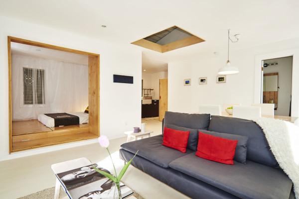 Интерьер маленькой комнаты в белом цвете