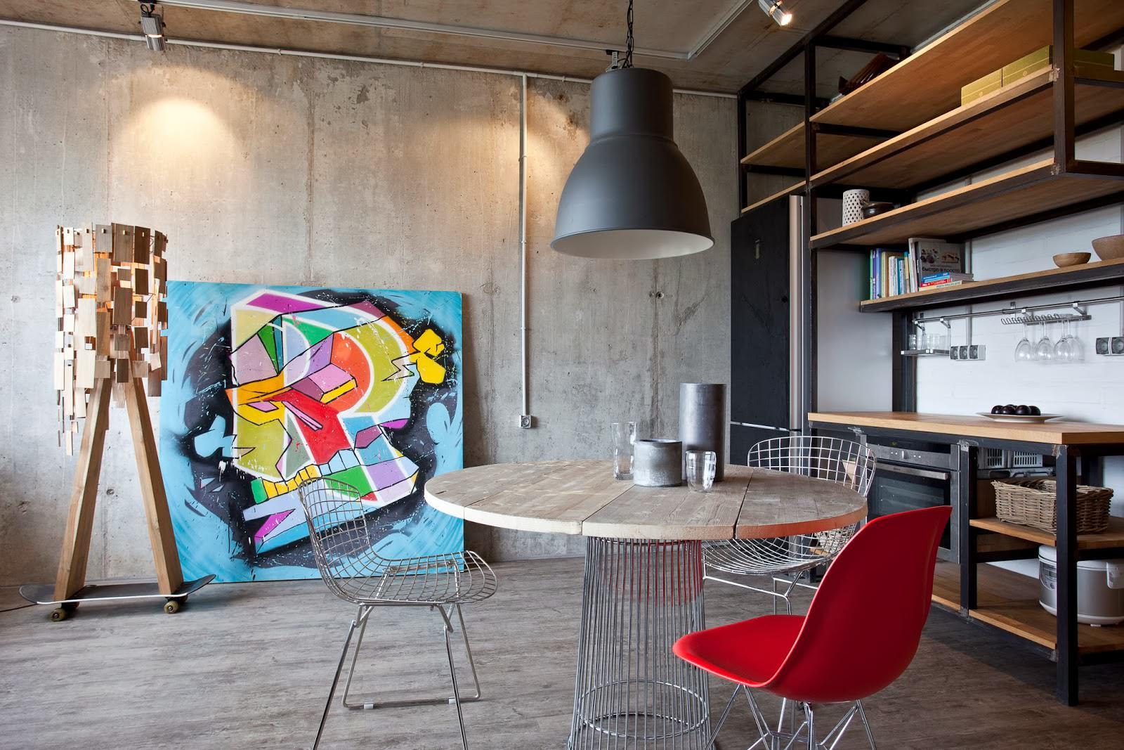 Интерьер дизайнерской квартиры-студии в России