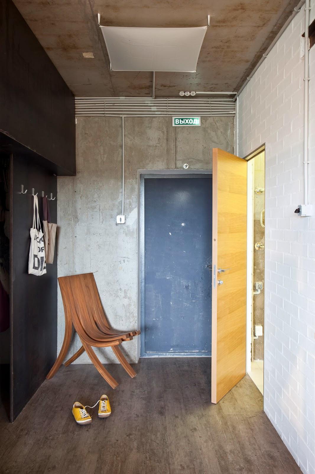 Прихожая дизайнерской квартиры-студии в России