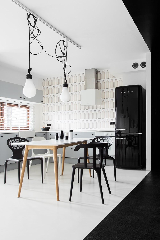 Дизайн кухонной зоны в Black&White Studio в Познани