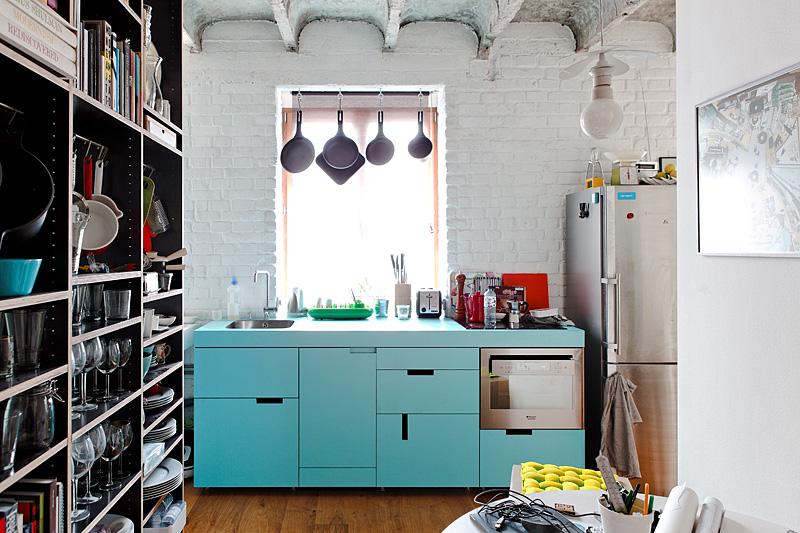 Интерьер кухни малогабаритной квартиры в Словакии