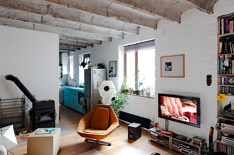 Интерьер гостиной малогабаритной квартиры в Словакии