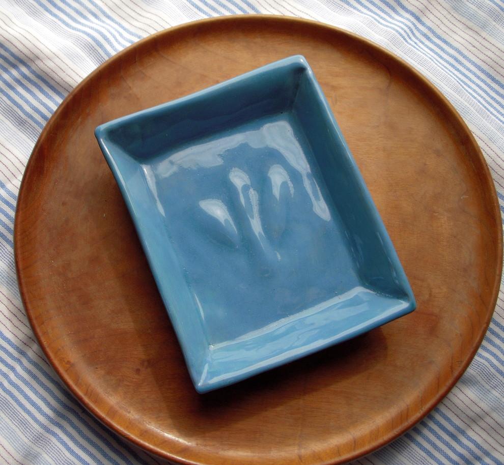 Синяя керамическая мыльница