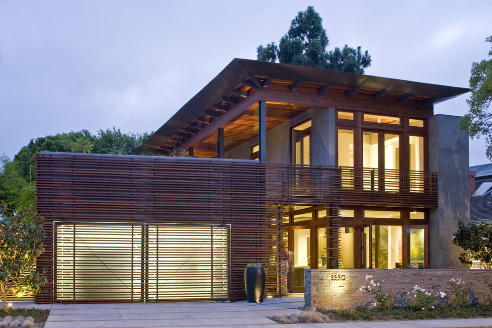 Внешний вид дома с гаражом