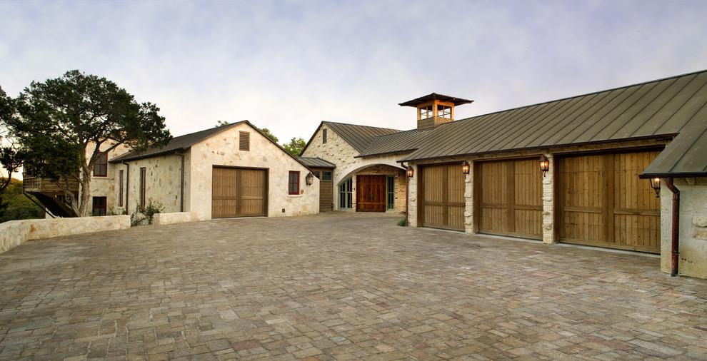 Арка между домом и гаражом