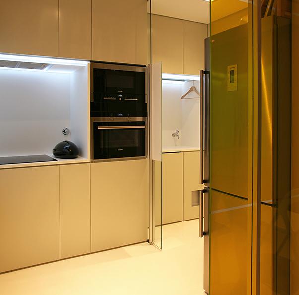 Футуристический стиль в интерьере кухни