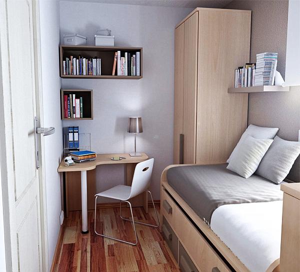 Рабочее место в маленькой спальне