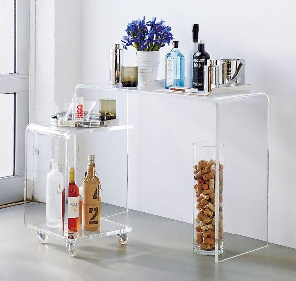 Прозрачный консольный столик