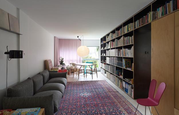 Гостиная в маленькой квартире-студии