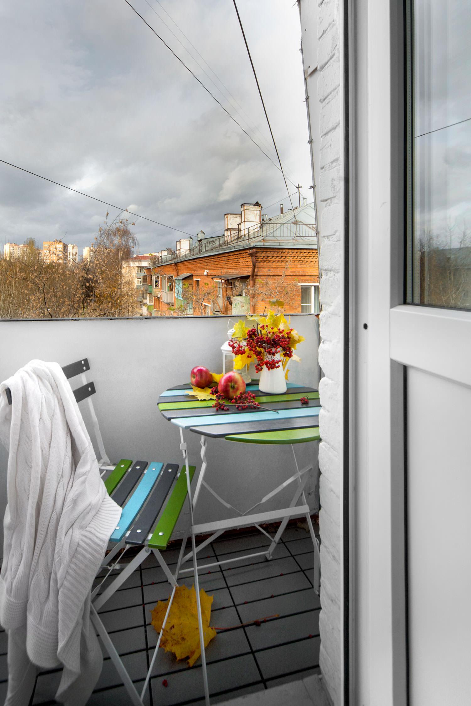 Балкон квартиры-студии в хрущёвке