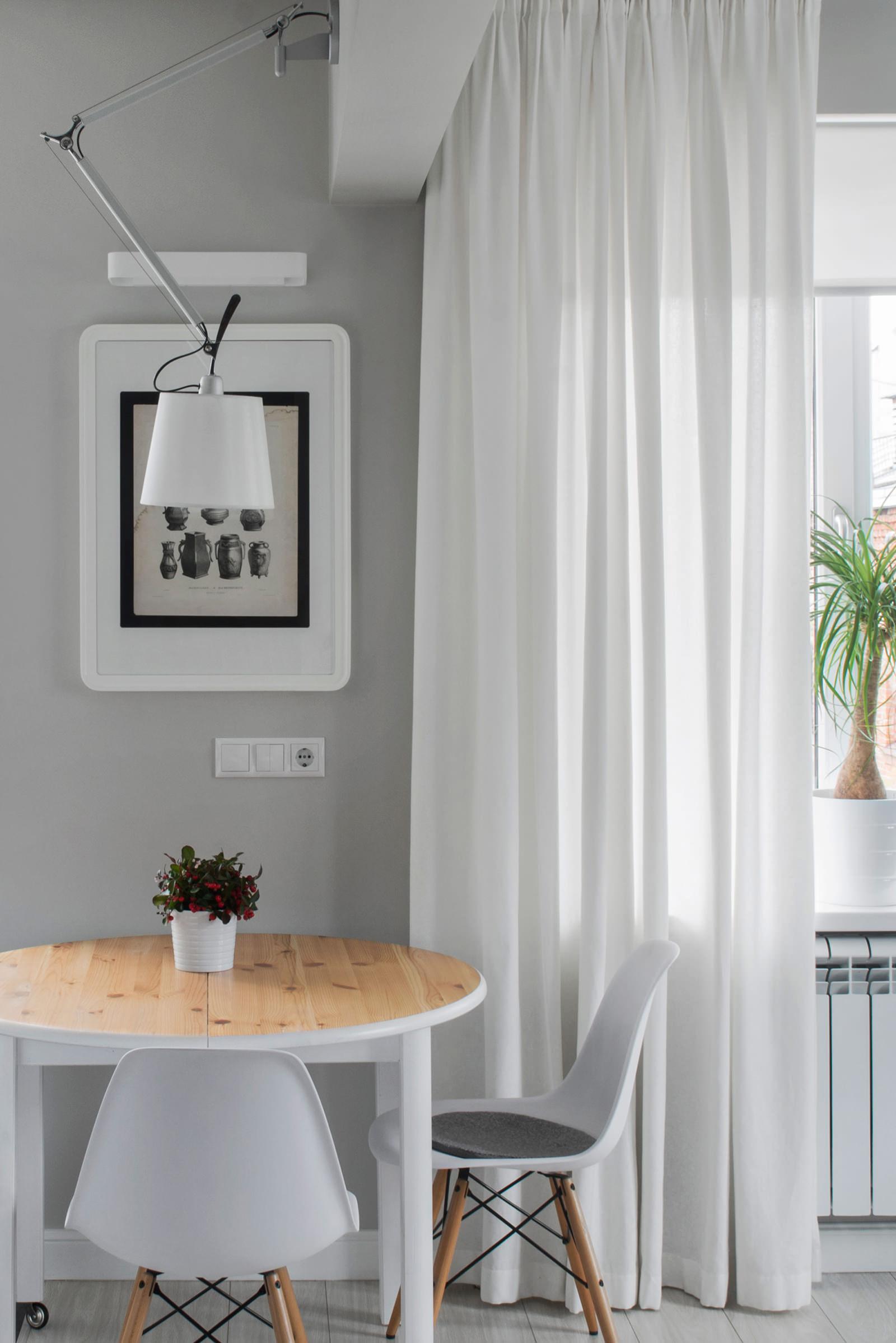 Столовая квартиры-студии в хрущёвке
