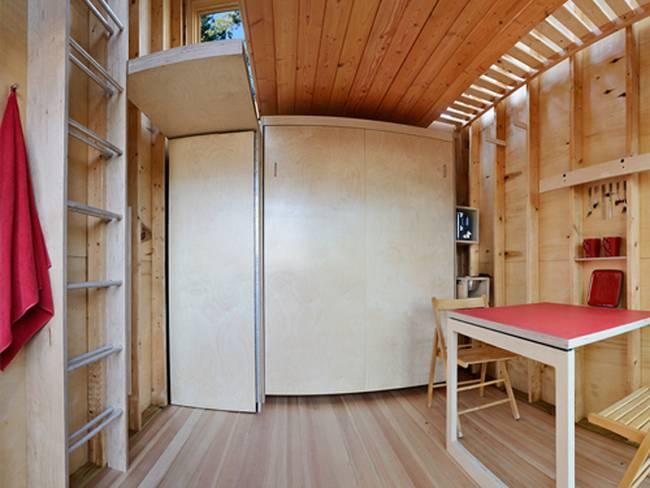 Дизайн дома из контейнеров. Простой, но уютный интерьер домика в лесу