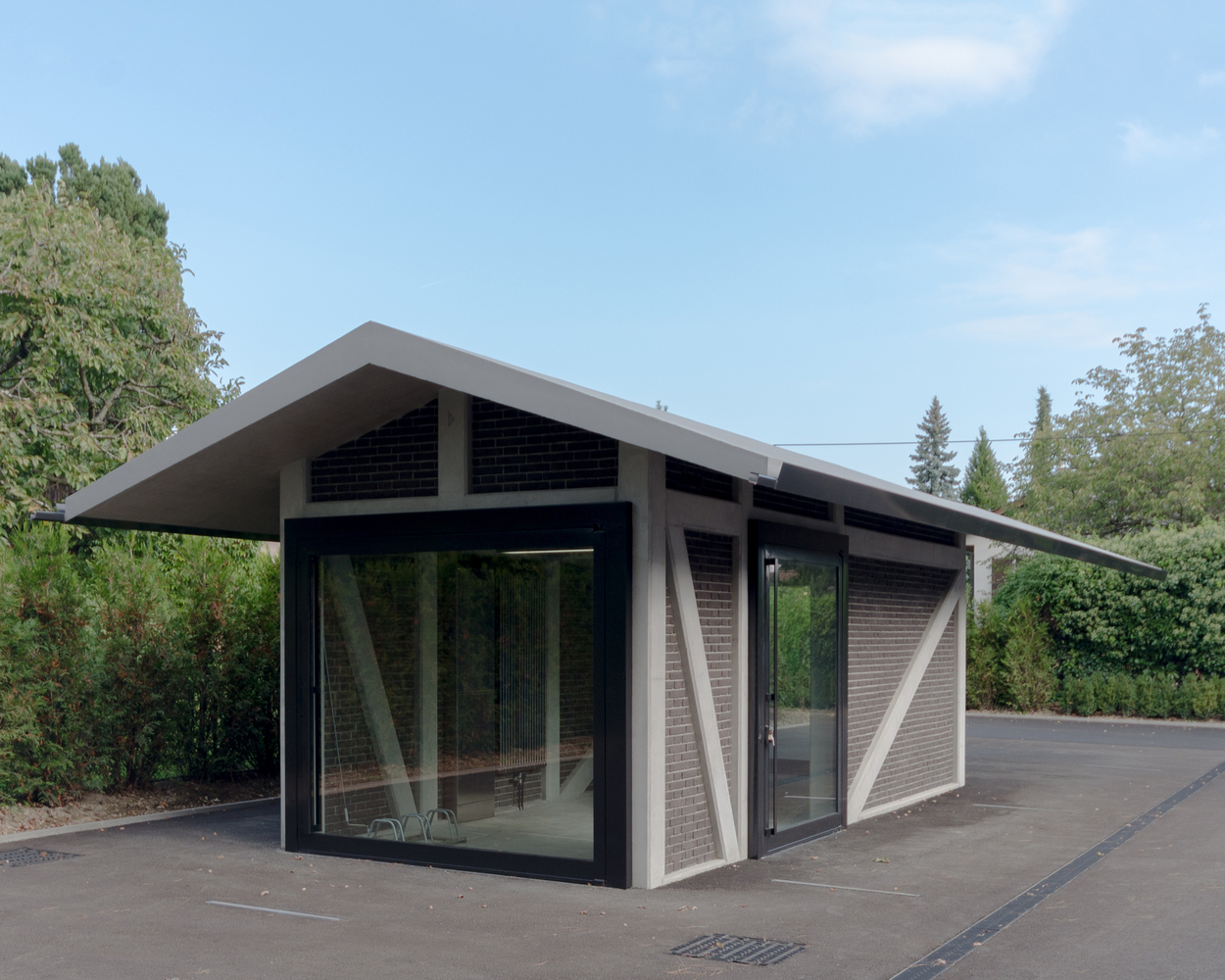 Дизайн гаража с навесом - фото 3