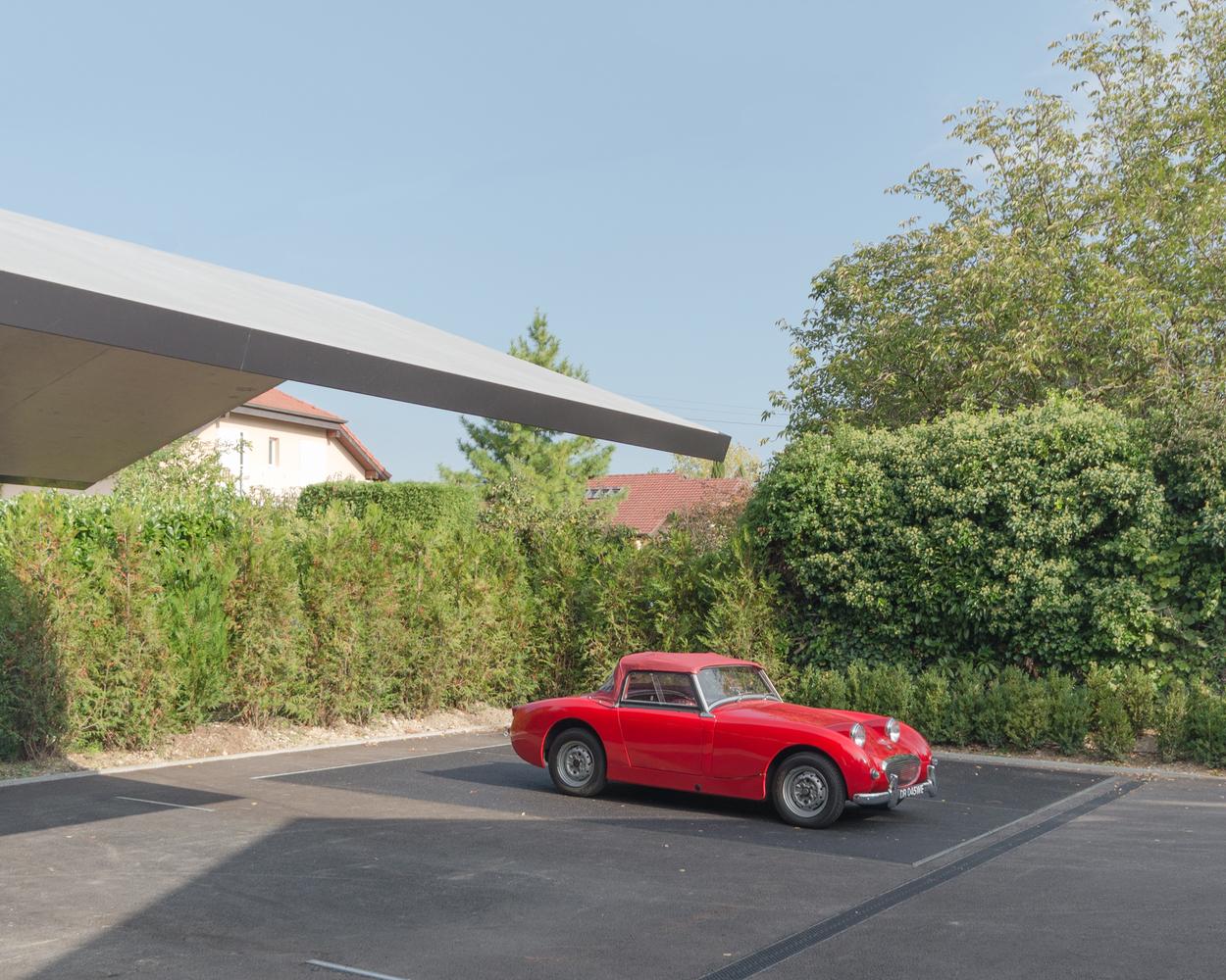 Дизайн гаража с подъёмной платформой